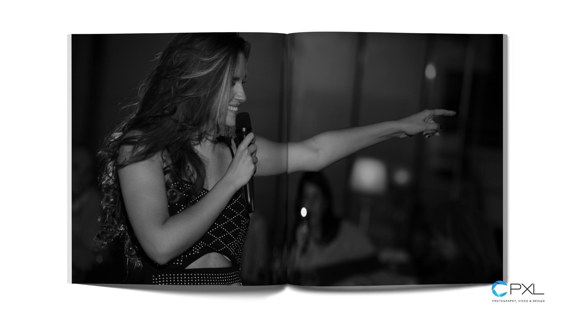 Melody y Lorenzo Molina en directo - libro de fotografía en La Dorada