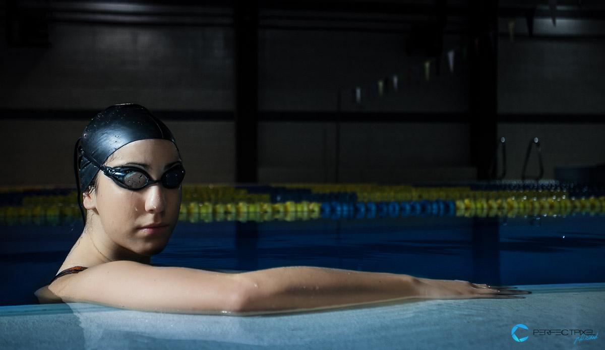 Retrato Deportivo Nadadora Piscina