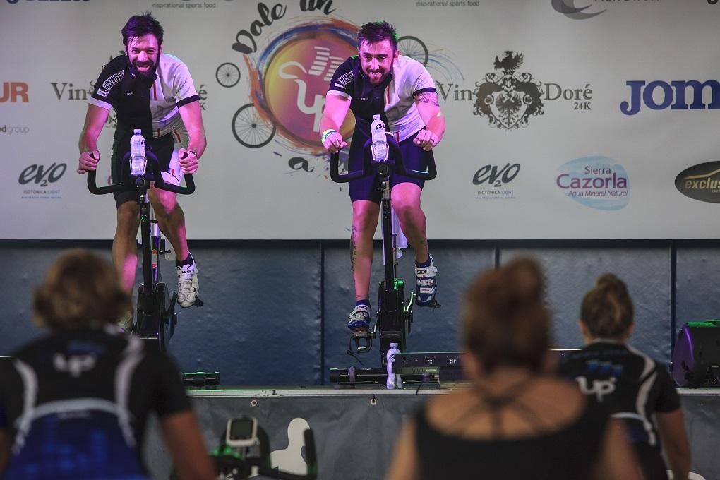 Diseño Cartelería master ciclo indoor 100% Revolution Fitness Sports Valle las Cañas